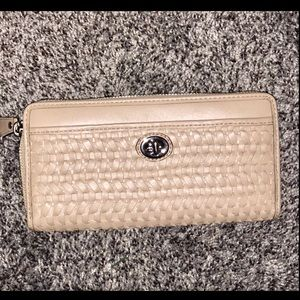 Coach New w/tag Accordian leather wallet